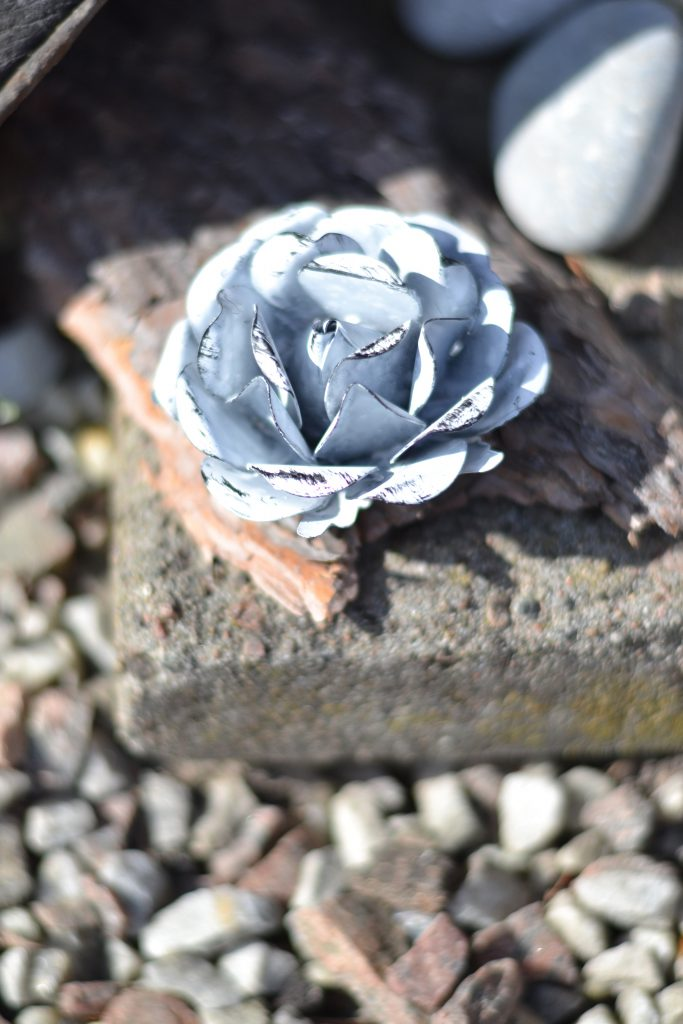 blomma metall